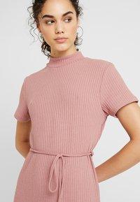 Topshop - CHUCK ON CUT AND SEW - Jumper dress - blush - 4