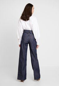 Levi's® - RIBCAGE WIDE LEG - Flared jeans - high and mighty - 2