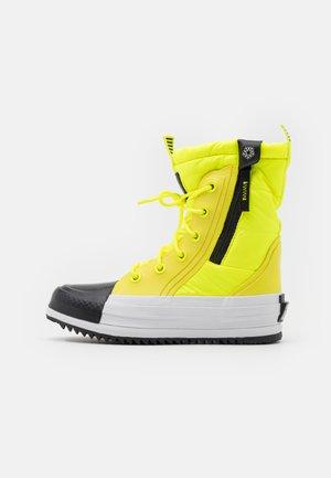 CHUCK TAYLOR ALL STAR BOOT - Winter boots - lemon/black/white