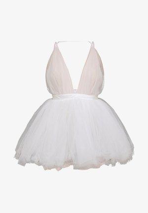 NIA DRESS - Ballkjole - white
