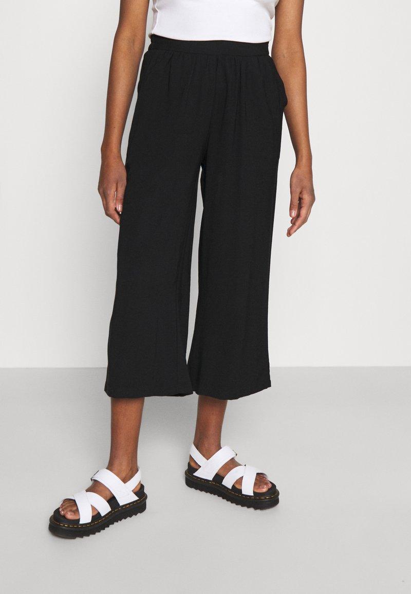 Even&Odd - Cropped wide leg trouser - Trousers - black