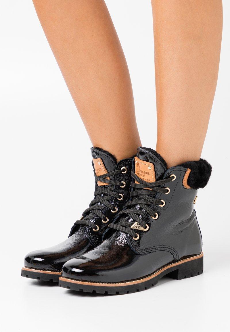 Panama Jack - IGLOO TRAVELLING - Šněrovací kotníkové boty - black
