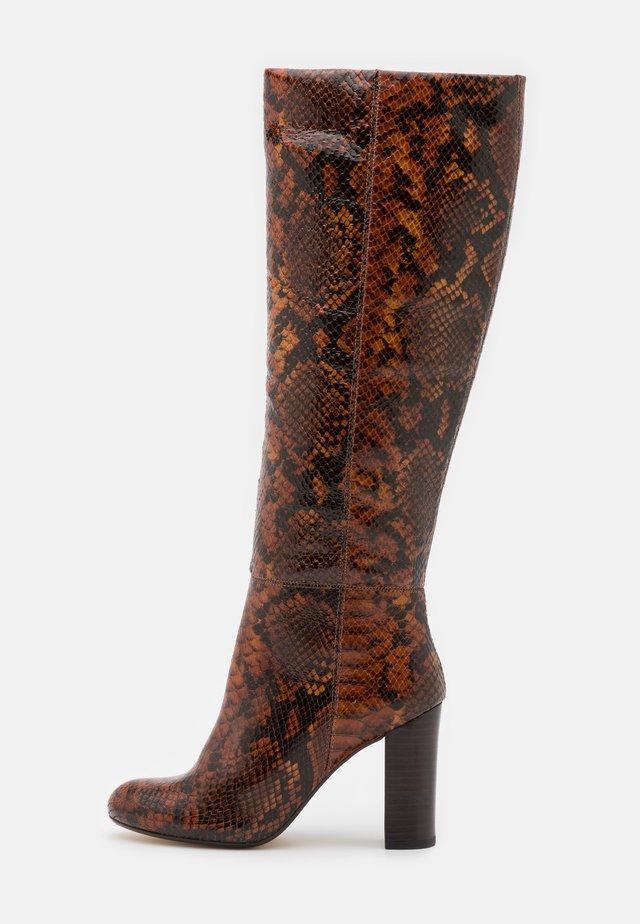 SIMONNE - Laarzen met hoge hak - brown