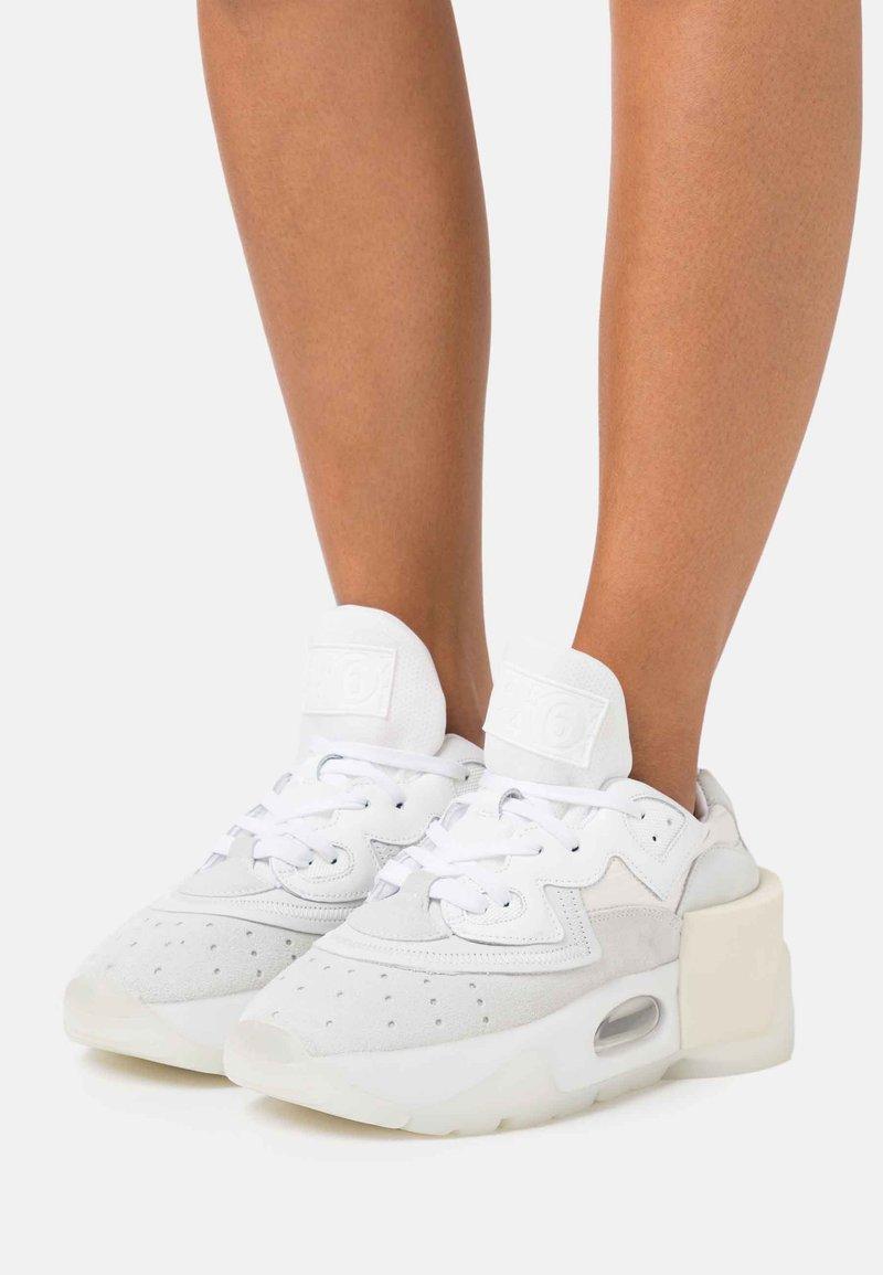 MM6 Maison Margiela - Sneakers laag - white