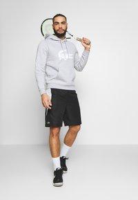 Lacoste Sport - TENNIS - Sportovní kraťasy - black/calluna/white - 1