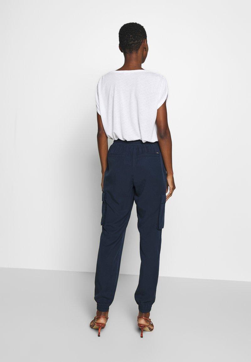 TOM TAILOR DENIM - SOFT UTILITY TRACK PANTS - Broek - real navy blue