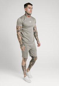 SIKSILK - RAGLAN TECH TAPE TEE - T-shirt con stampa - grey - 4