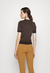 MICHAEL Michael Kors - LOGO  - T-shirt imprimé - chocolate - 2