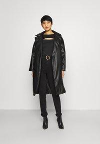 Marks & Spencer London - SOPHIA - Jeansy Straight Leg - black denim - 1