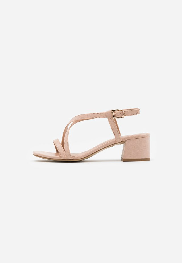 WIDE FIT RULIE MULTI STRAP BLOCK HEEL  - Sandały - oatmeal