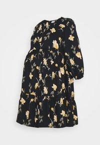 Pieces Maternity - PCMGLYDA WRAP DRESS - Denní šaty - black - 0