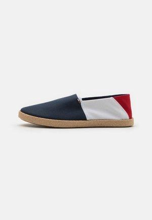 ESSENTIAL - Espadrilky - red/white/blue