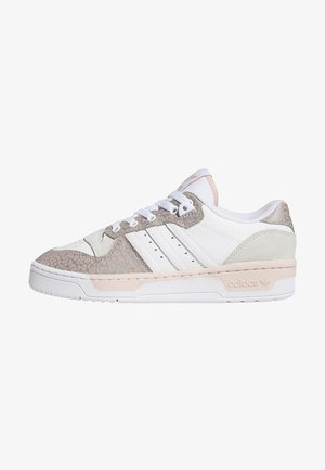 RIVALRY LOW  - Joggesko - ftwr white/vapour pink/grey one f17