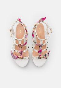Tata Italia - SERENA  - Korkeakorkoiset sandaalit - white - 5