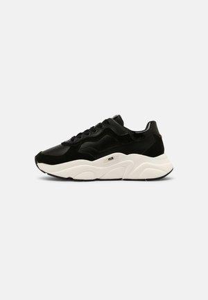ROCK - Sneaker low - black/off white