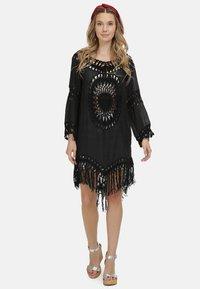 IZIA - IZIA TUNIKAKLEID - Day dress - schwarz - 1