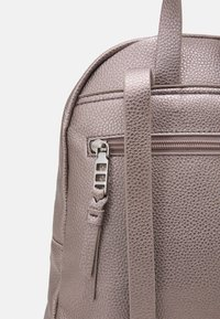 PARFOIS - BACKPACK VALENTINE - Rucksack - rose gold-coloured - 4