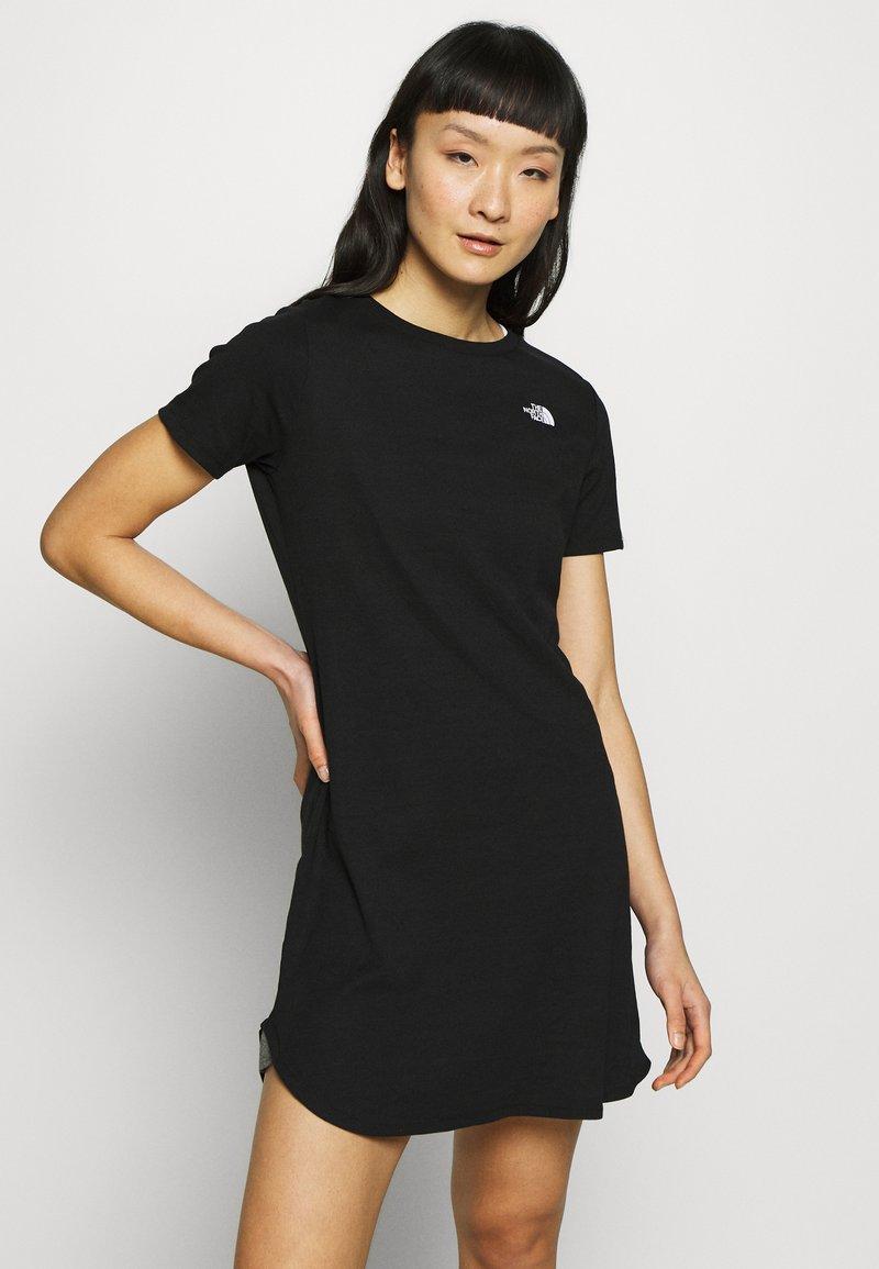 The North Face - WOMENS SIMPLE DOME TEE DRESS - Žerzejové šaty - black
