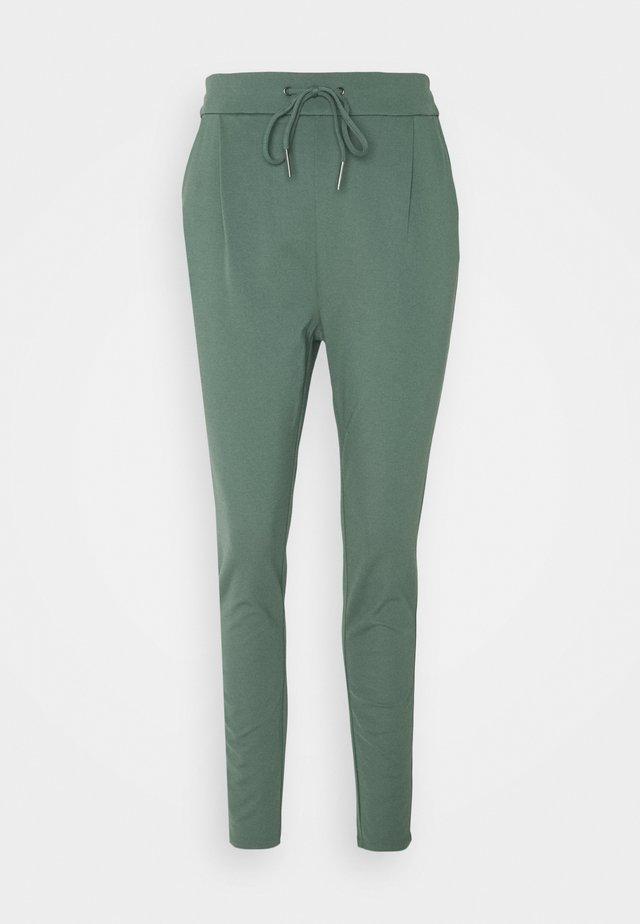 VMEVA STRING PANTS  - Tracksuit bottoms - balsam green