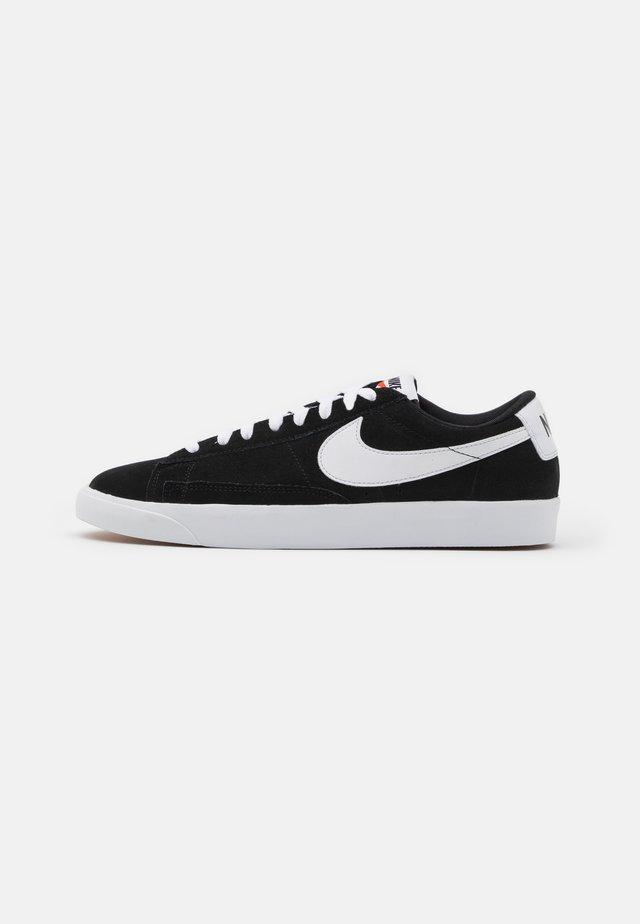 BLAZER UNISEX - Sneakersy niskie - black/white