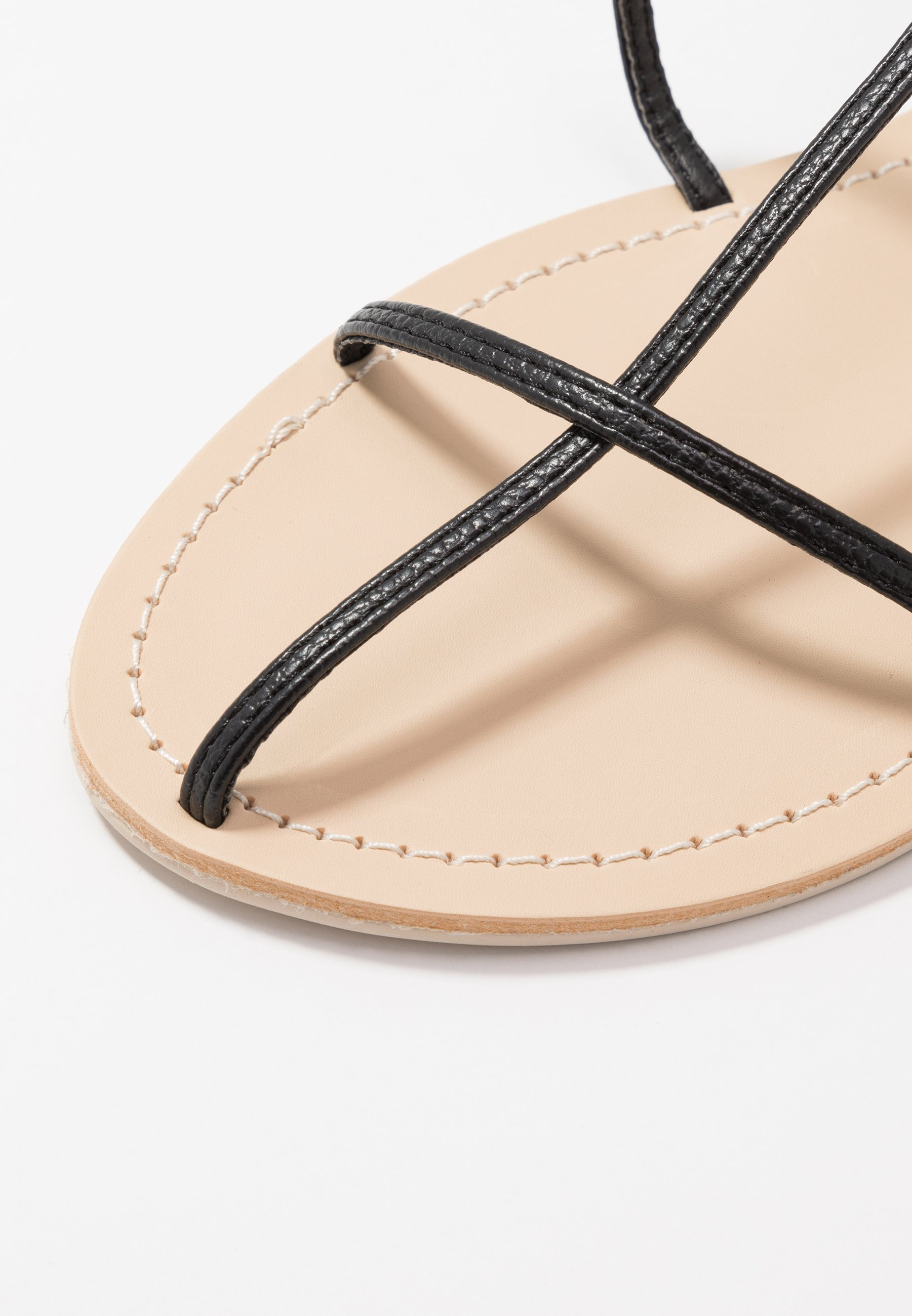 THIN MULTI STRAP tåsandaler black