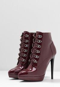 Zign - Kotníková obuv na vysokém podpatku - bordeaux - 4