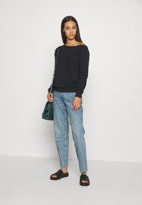 Even&Odd - LOOSE OFF SHOULDER SWEATSHIRT  - Sweater - black - 1