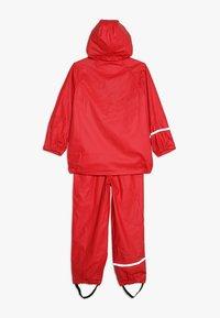 CeLaVi - BASIC RAINWEAR SUIT SOLID - Pantalones impermeables - red - 1