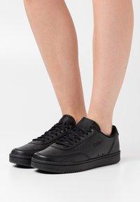 Nike Sportswear - COURT VINTAGE PRM - Trainers - black - 0