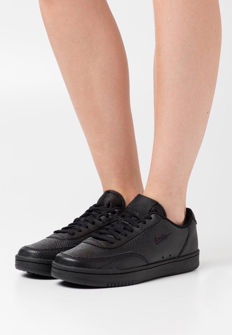Nike Sportswear - COURT VINTAGE PRM - Trainers - black