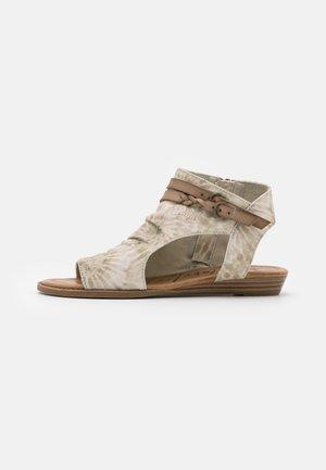 VEGAN BLUMOON - Sandaler med skaft - taupe