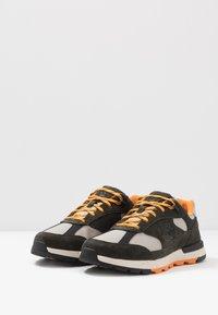 Timberland - FIELD TREKKER - Sneaker low - dark green - 2