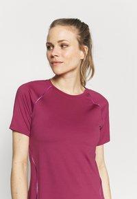 Under Armour - RUSH SCALLOP  - T-shirt con stampa - pink quartz - 3
