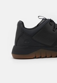 Timberland - SUPAWAY FABRIC OX - Sneakers - black - 5