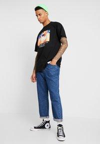 Diamond Supply Co. - WOMENS HAND TEE - Print T-shirt - black - 1