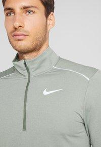 Nike Performance - T-shirt de sport - juniper fog/jade horizon - 3
