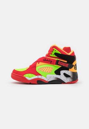 HBCU MUSEUM X ROGUE - Zapatillas altas - fiery red/green gecko/orange pop
