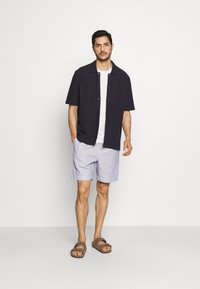 DOCKERS - PULL ON - Shorts - blue - 1