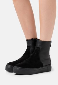 MAHONY - BERN - Platform ankle boots - black - 0