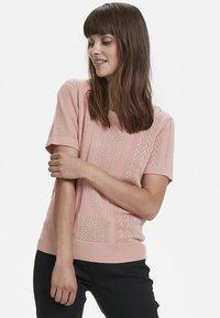 Cream - Print T-shirt - rose dawn - 0