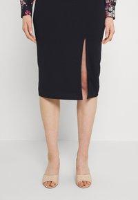 WAL G. - FLORAL COLLAR MIDI DRESS - Jersey dress - navy - 4
