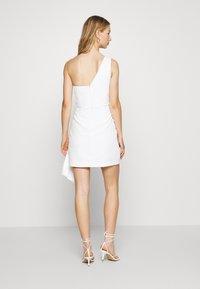 Forever New - ASSYMETRIC MINI - Vestito elegante - porcelain - 2