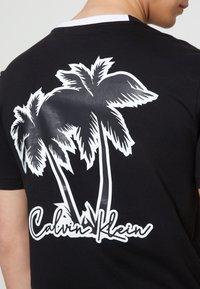 Calvin Klein - SUMMER GRAPHIC  - T-Shirt print - black - 6