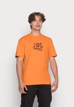 SCRIPT ESSENTIAL - T-shirt print - orange