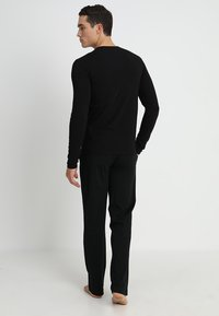Versace - GIROCOLLO - Haut de pyjama - black - 2