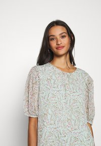 JDY - JDYNELLY PUFF  - Blouse - blue haze - 4