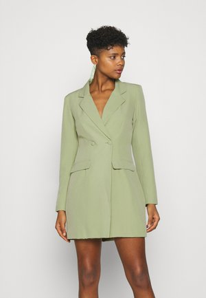 TORTOISE SHELL BUTTON DRESS - Manteau court - sage