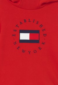 Tommy Hilfiger - HERITAGE HOODIE - Mikina s kapucí - red - 2