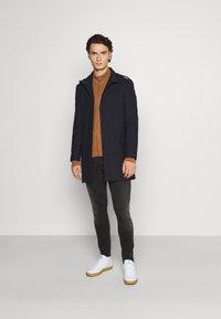 Isaac Dewhirst - FUNNEL COAT - Classic coat - dark blue - 1
