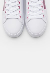 Guess - GALLIE - Trainers - white/pink - 5